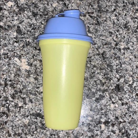 Tupperware shaker bottle
